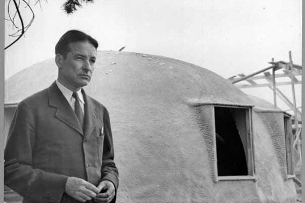 Wallace Neff with Concrete Bubble House